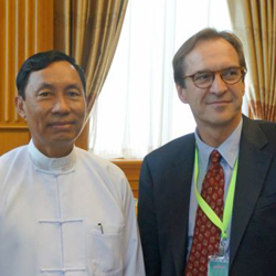VOA Director David Ensor meets with Burmese Parliament speaker Thura Shwe Mann