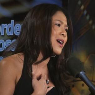 Vietnamese-American singing sensation Viennie V