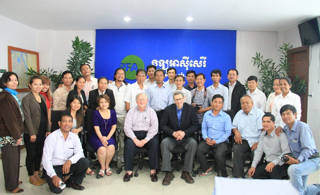 BBG Gov. Victor Ashe meets with broadcasters in Cambodia