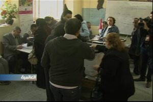 Egyptians casting their votes (screengrab from Alhurra coverage)