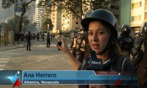 Ana Herrero reporting from the streets of Caracas