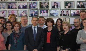 U/S Stengel with RFE/RL Ukrainian Service staff at the Kyiv Bureau