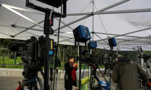 The Iranian Students' News Agency coverage of the nuclear negotiations included this photo of VOA Persian Service reporter Niloofar Pourebrahim in Lausanne doing a live interview with Washington studio host Arian Risbaf.