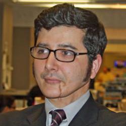VOA's Arash Sigarchi wins International Award