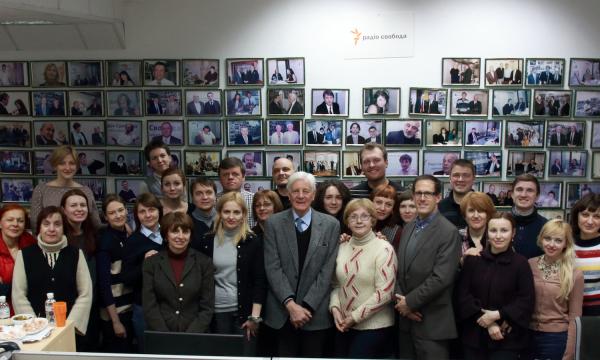 BBG Governor Matt Armstrong & RFE/RL President Kevin Klose meet with RFE/RL & VOA Ukrainian Service journalists & staff at RFE/RL's bureau in Kyiv