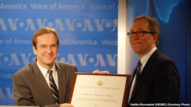 VOA Director David Ensor (L) with Ukrainian Service Chief Adrian Karmazyn at the 65th Anniversary Ceremony