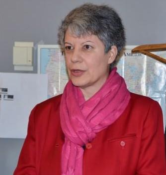 headshot of Clara Dominguez, VOA's new managing editor