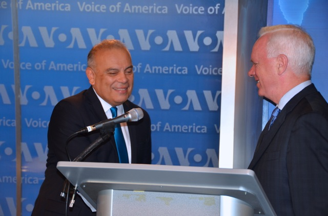 BBG CEO John Lansing (right) thanks VOA Spanish Service anchor Gonzolo Abarca