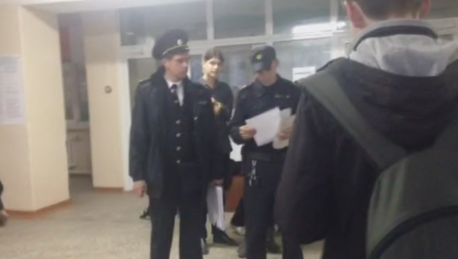 Journalists detained in Russia in polling station