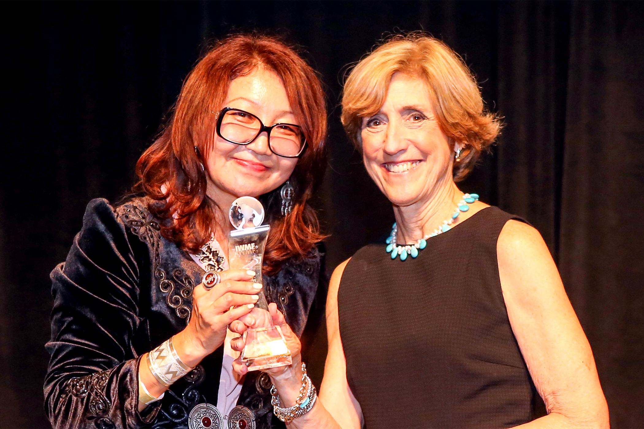RFE/RL Kazakh journalist wins Courage Award