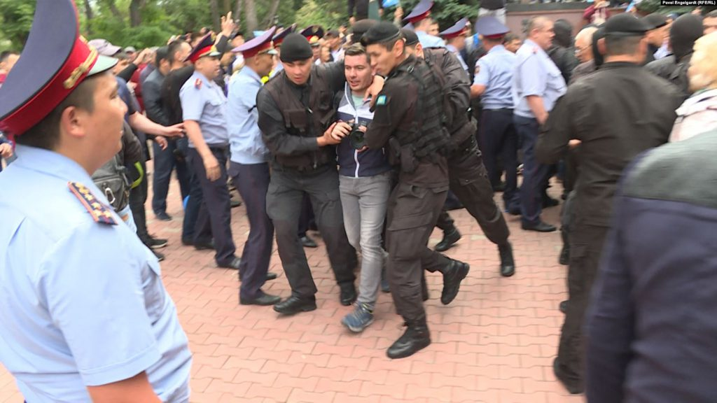 Image link to Kazakhstan targets protesters, RFE/RL, and other media on Election Day post